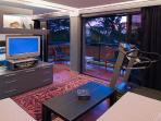 Modern 2 Bed Apartment (Queen & Twin) Legian, Bali