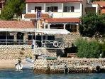 Apartment for 5 persons near the beach in Rab