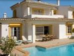 3 bed villa with 3 bathrooms and swimming pool