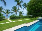 Smugglers Cove 1 at Paynes Bay, Barbados - Beachfront, Communal Pool, Tropical Gardens
