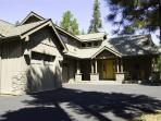 FANTASTIC 2006 Lodge Home with 4 Bedroom Suites!