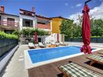Luxury holiday house for 15 persons, with swimming pool , in Pula