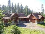 Steelhead Chalet - Custom Chalet with 4 Bedrooms, 4.5 baths, WIFI. Sleeps 12-14