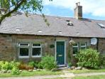 SHEPHERD'S COTTAGE, pet-friendly cottage, in countryside, with woodburner, Innerwick, Dunbar Ref. 26854