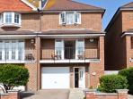 SEASCAPE, coastal cottage, set over three floors, off road parking, garden, in Bexhill-on-Sea, Ref 21166