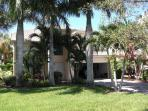 2 storey Naples home with screened pool, sleeps 10