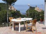 Holiday house for 8 persons, with swimming pool , near the beach in Tamariu