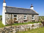WEE DUG HOUSE, lovely views, two woodburners, dog-friendly, cosy cottage in Stairhaven near Glenlluce, Ref. 28138