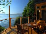Year round lakefront cottage: Chalet Rose-et-Lys