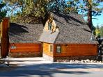Eagle's Cottage - Spring Discounts! Log Cabin, Hot Tub, Lake Views