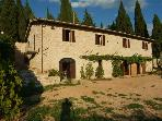 XVcent country house in a green park out of Assisi