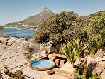 Beach Bungalow with jacuzzi in Camps Bay/ Bakoven