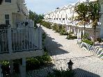 Early Aug Spec $900/wk 3 Bdrm Easy Beach Access