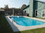Charleston Area 4BR, pool Near Beach,HDTV, Wifi