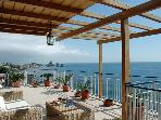 Beautiful apartment on the beach in Acicastello
