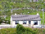 RIVER VIEW COTTAGE, single-storey, multi-fuel range, open fire, pet-friendly, in Doochary, near Dungloe, Ref 906347