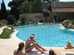 Quality 6 bedroom villa with pool in Mailhac