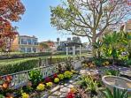 Canals of Venice, Gorgeous Home with Decks
