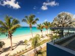 Beachfront Luxurious Apartment with Seaview
