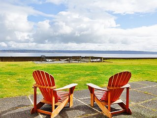 Summer discounts! Beachfront Cabin on Bells Beach 5 minutes from Langley Village - Langley vacation rentals