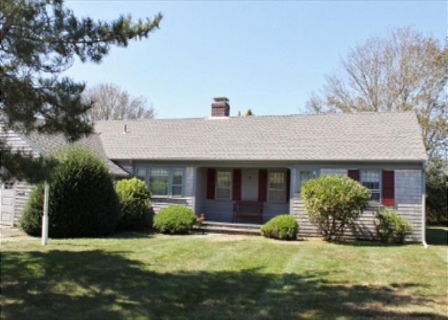 16 BLUEBERRY LN. - Fabulous 2 Bedroom Chatham location! Just a short distance to Chatham Village - Chatham - rentals