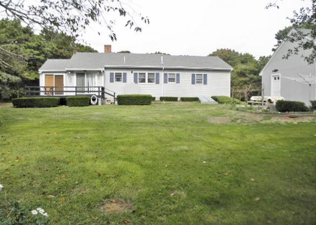 Updated Eastham cottage located just 6/10's of a mile from Campground Beach - Image 1 - Eastham - rentals