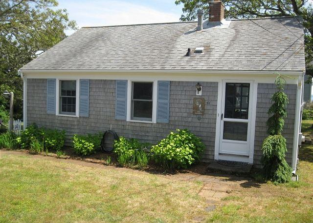 41 PATTERSON RD., CHATHAM - Chatham Vacation home, only 0.1 miles to Ridgevale Beach! - Chatham - rentals