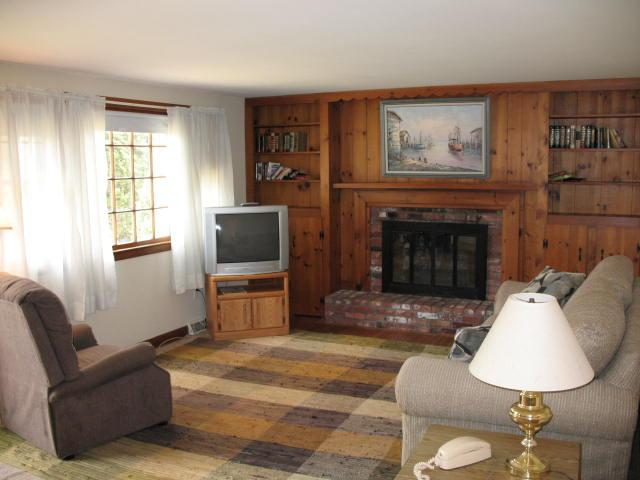 Living Area - Short Drive to Seagull & Sea view Beaches - YA0144 - Yarmouth - rentals