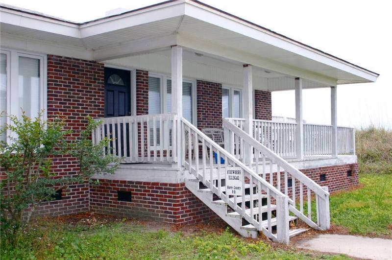 Carroll Front 3 Bedroom Myrtle Beach Vacation Home - Image 1 - Myrtle Beach - rentals