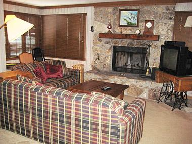 Living Room - Mountainback - MB104 - Mammoth Lakes - rentals