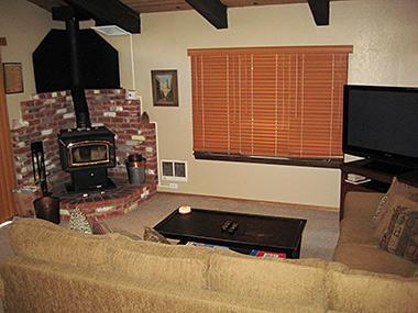 Living Room - Chateau Sans Nom - CSN20 - Mammoth Lakes - rentals