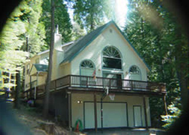 Luxury mountain home- gourmet kitchen, deck, fireplace, sledding hill - Image 1 - Sierra Village - rentals