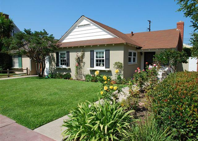 Oceanside Beach Cottage! Single Family Home on Belvue Lane! (68129) - Image 1 - Balboa - rentals