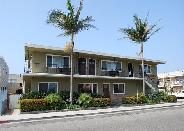 Door on the right upstairs in a four-plex - Best Deal in Newport!  Upper Condo Steps to the Beach! (68108) - Newport Beach - rentals