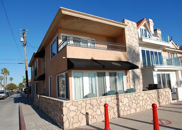Enjoy the Boardwalk! 3 Bedroom Oceanfront Single Family Home! (68217) - Image 1 - Newport Beach - rentals