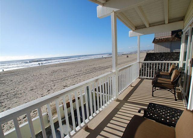 Balcony Ocean View - Oceanfront Single Family Home! Spacious Patio! (68133) - Newport Beach - rentals