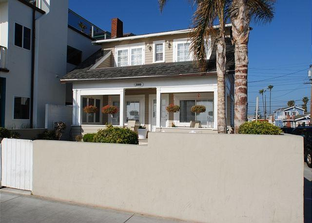 Exterior of Home - Beautiful Oceanfront Single Family Home! Huge Front Yard & Porch! (68173) - Newport Beach - rentals
