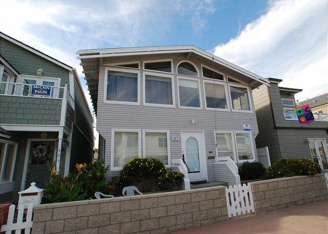 Steps to Bay! - Spacious 4 Bedroom Bayside Single Family Home! Excellent Location! (68221) - Balboa Island - rentals