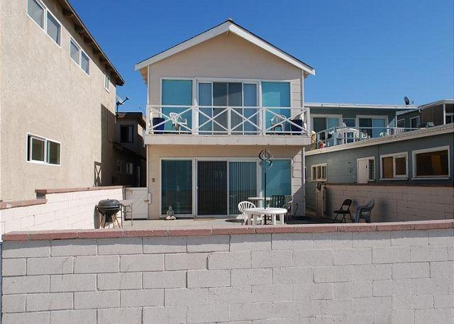 Best Oceanfront Deal in Newport! Fantastic Views & Huge Patio! (68146) - Image 1 - Newport Beach - rentals