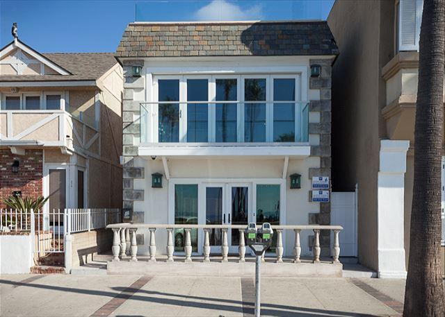Oceanfront Condo on the Boardwalk close to Newport Pier - Image 1 - Newport Beach - rentals