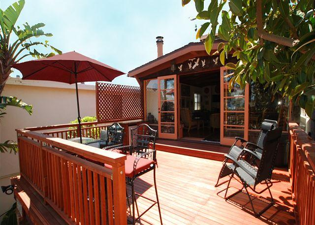 Deck - Enjoy the Sun in this Lovely 4 Bedroom Spanish Style Home! (68164) - Newport Beach - rentals