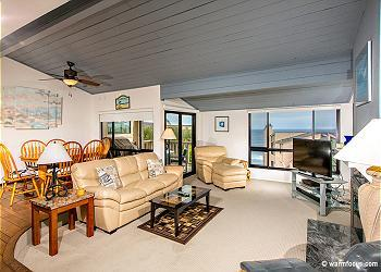 2 Bedroom, 2 Bathroom Vacation Rental in Solana Beach - (SUR51) - Image 1 - Solana Beach - rentals