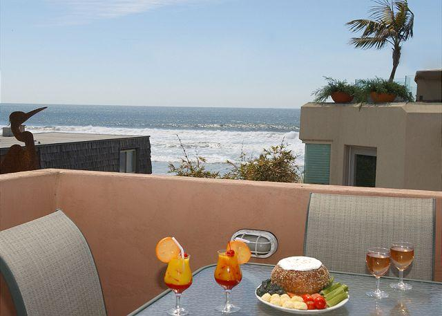 714 Kingston Deck - Ocean views  from this 3-bedroom condo - Rooftop deck with ocean views! - Pacific Beach - rentals
