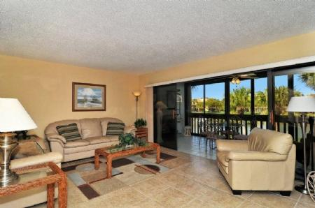 Bright and Cheery Living Area with Sleeper Sofa - Doveplum 623 - Siesta Key - rentals