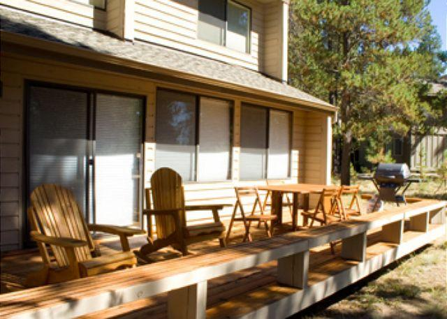 Back View - Great Sunriver Home with Hot Tub and in Wooded Setting Near Bike Paths - Sunriver - rentals