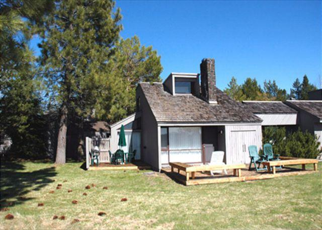 Meadow House Condo - Affordable Sunriver Condo Inviting Views and SHARC passes On the Golf Course - Sunriver - rentals