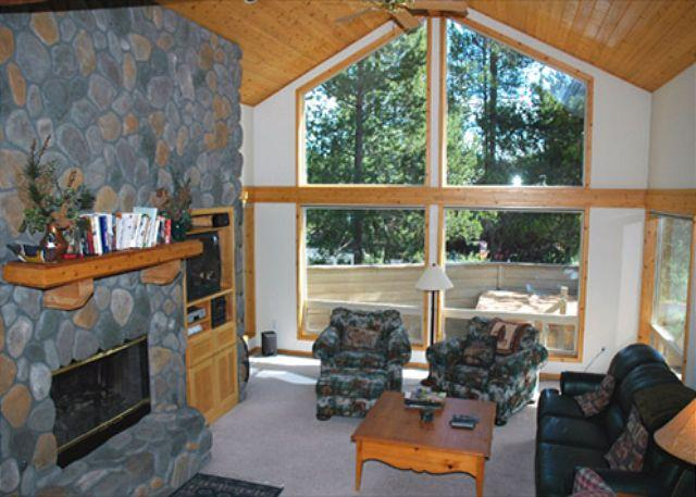 Rhododendron Lane #09 - Spring Rates Sunriver Home with Bikes and 2-Car Garage Near SHARC - Sunriver - rentals