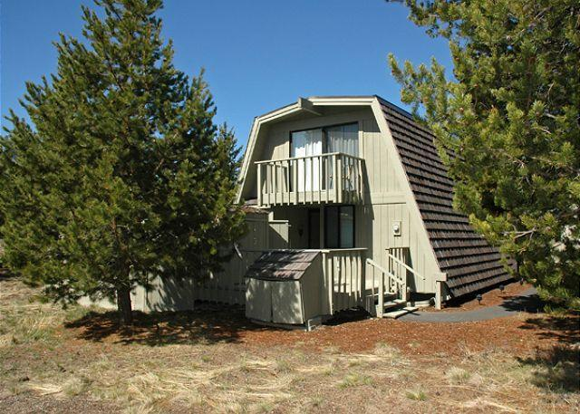 Exterior Of Home - Pac Crest Sunriver Home Pet-Friendly and Hot Tub Near the Village - Sunriver - rentals