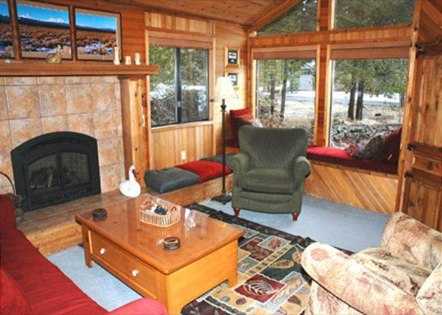 Another View of Living Room - Lodge Style Sunriver Home with A/C and Pet Friendly Near Deschutes River - Sunriver - rentals