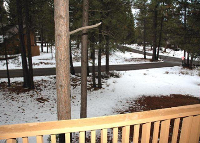 Affordable Sunriver Home with Bonus Room and Hot Tub Near the Village - Image 1 - Sunriver - rentals